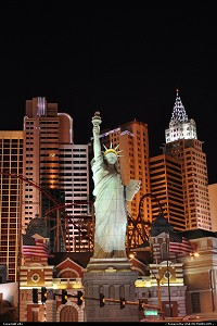 Las Vegas : Las vegas strip. New york-new york hotel and casino.