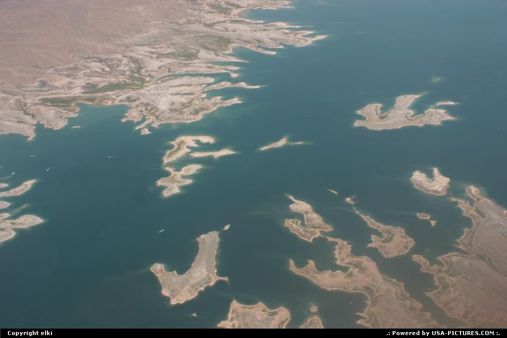 Picture by elki:Hors de la villeNevadanevada lake mead