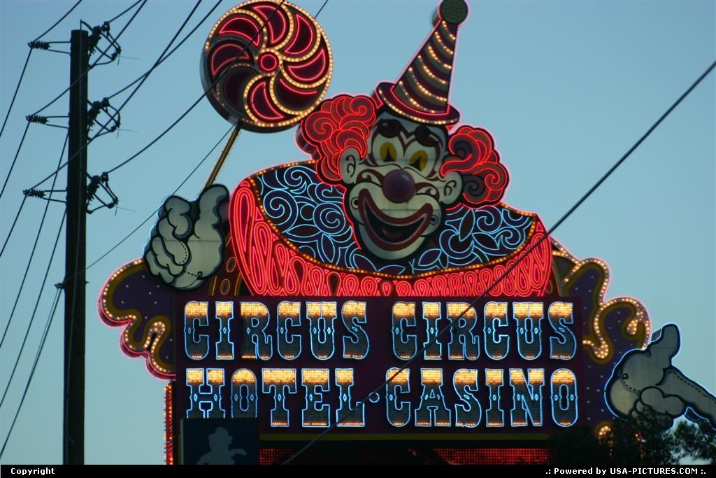 Picture by elki:Las VegasNevadaneon, signs