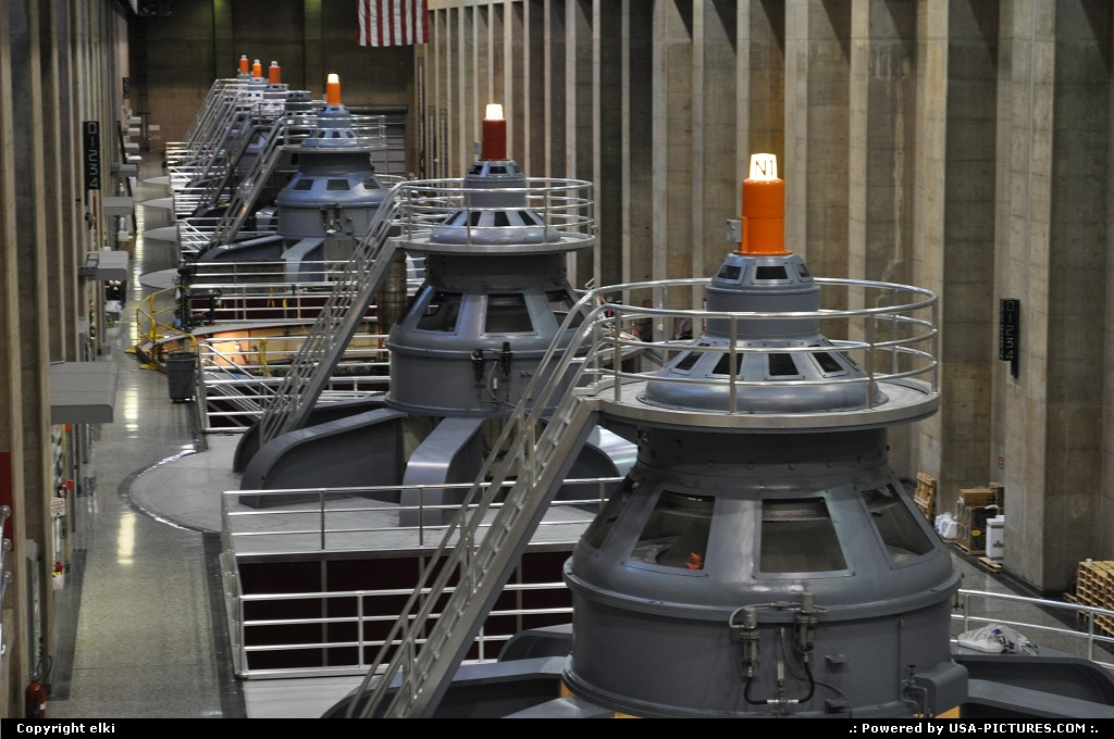 Picture by elki: Las Vegas Nevada   hoover dam turbine