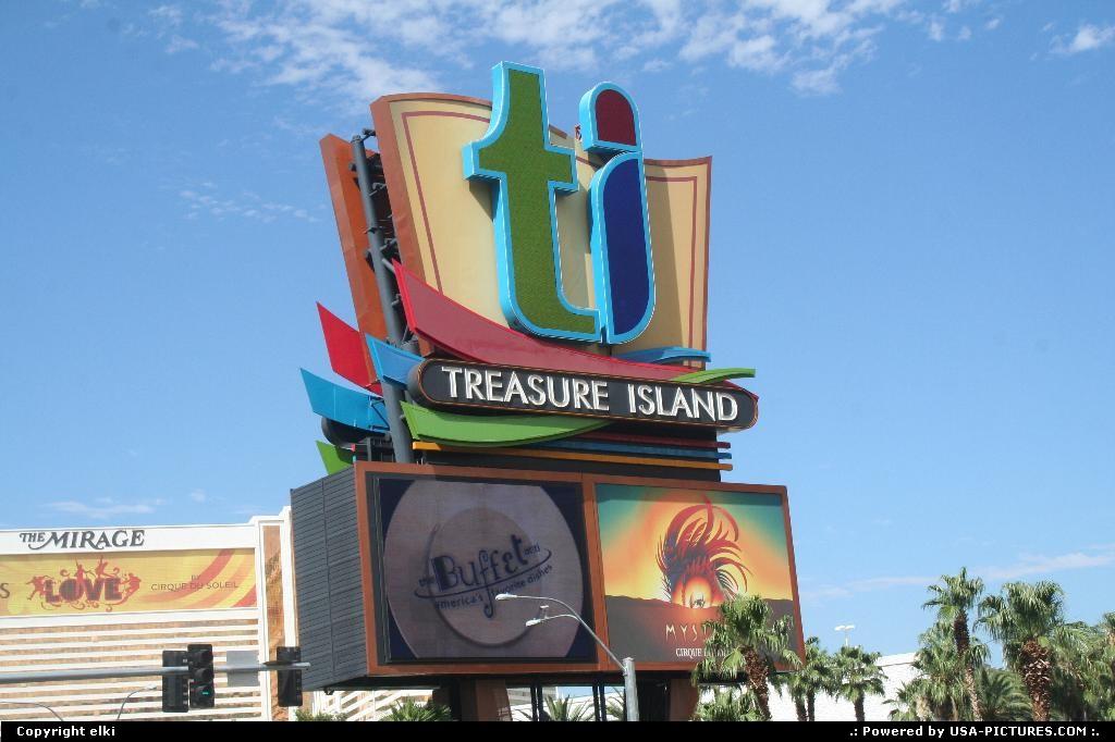 Picture by elki:Las VegasNevadalas vegas strip treasure island