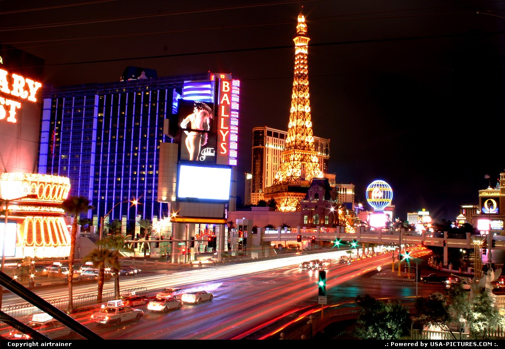 Picture by airtrainer: Las Vegas Nevada   Las Vegas strip paris casino bally
