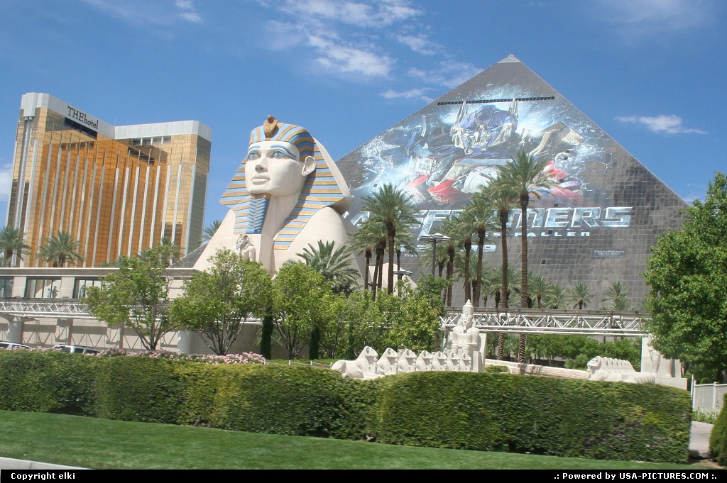 Picture by elki: Las Vegas Nevada   mandalay bay luxor