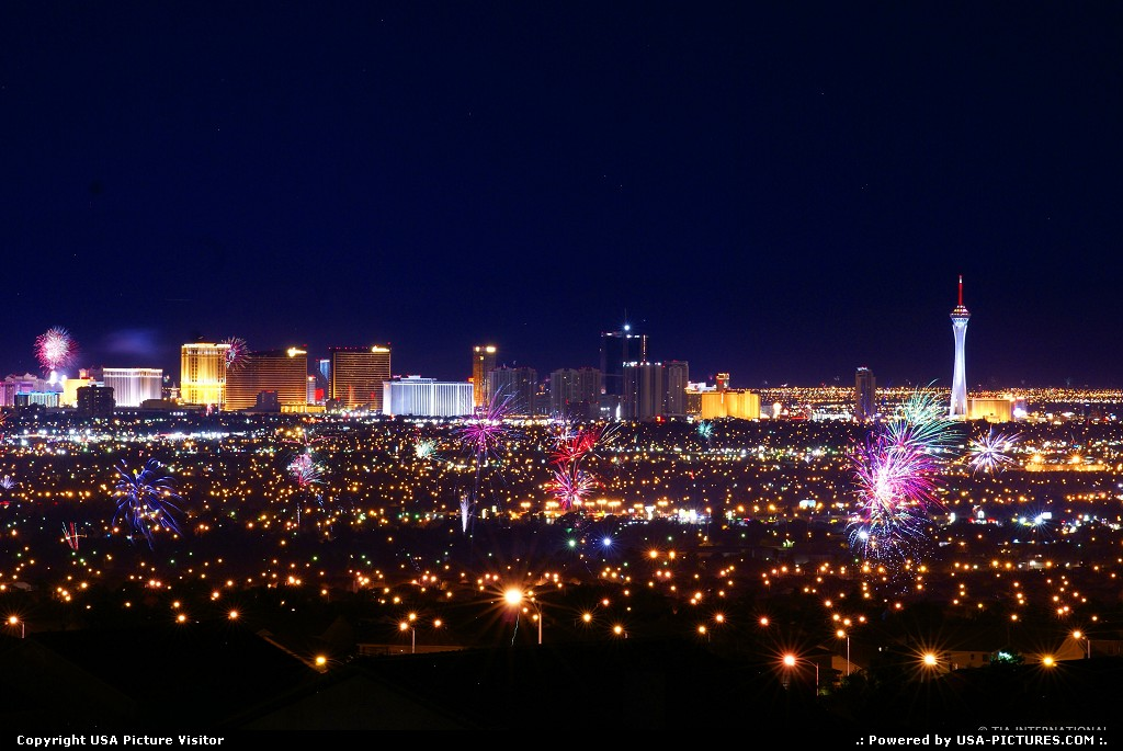 Picture by tiascapes: Las Vegas Nevada   Las Vegas, July 4th, Independence Day, fireworks, firecrackers