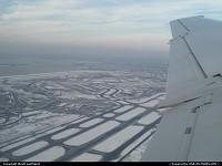 Départ de New York / JFK pour Washington DC pour l'invesiture de Barack Obama. Remarquez le taxiway en forme de S interconnectant les pistes de l'aéroport.