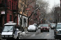 Entering greenwich village, red stone building, threes ... This is a really nice neighborhood. You ear birds !!! Don't forget that you are in NYC, so yes it's a performance !!