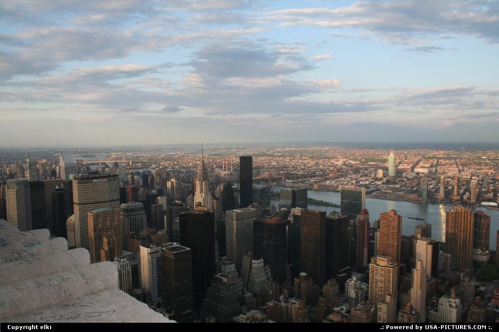 Picture by elki:New YorkNew-yorkmanathan empire state new york