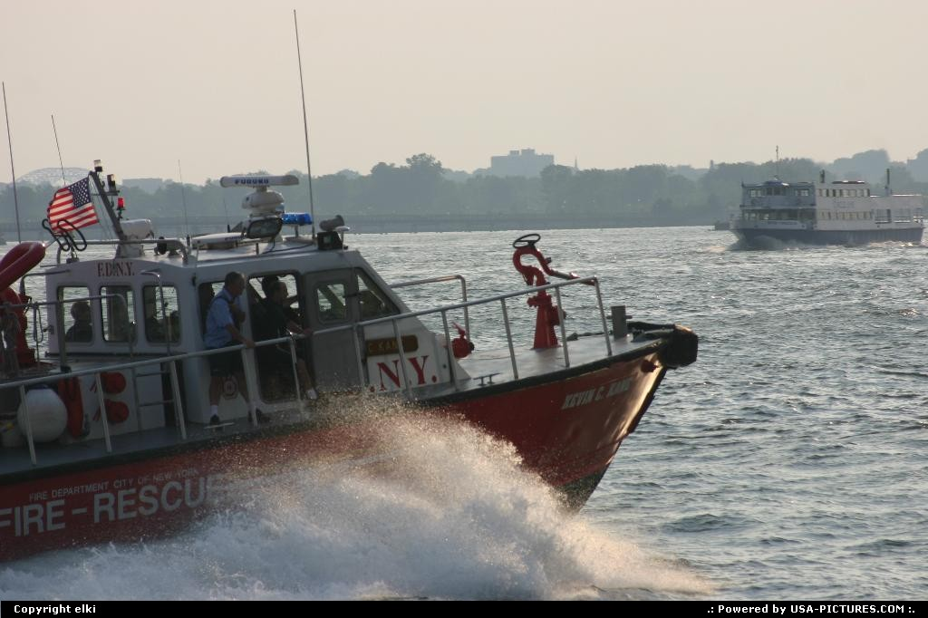 Picture by elki: New York New-york   Us coast guard