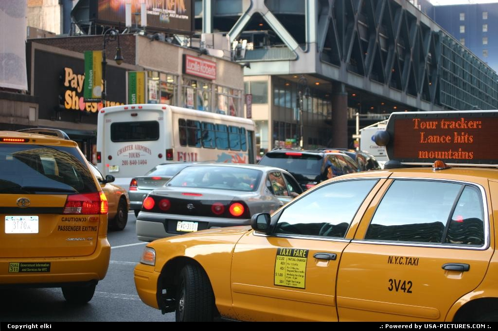 Picture by elki:New YorkNew-yorkyellow cabs
