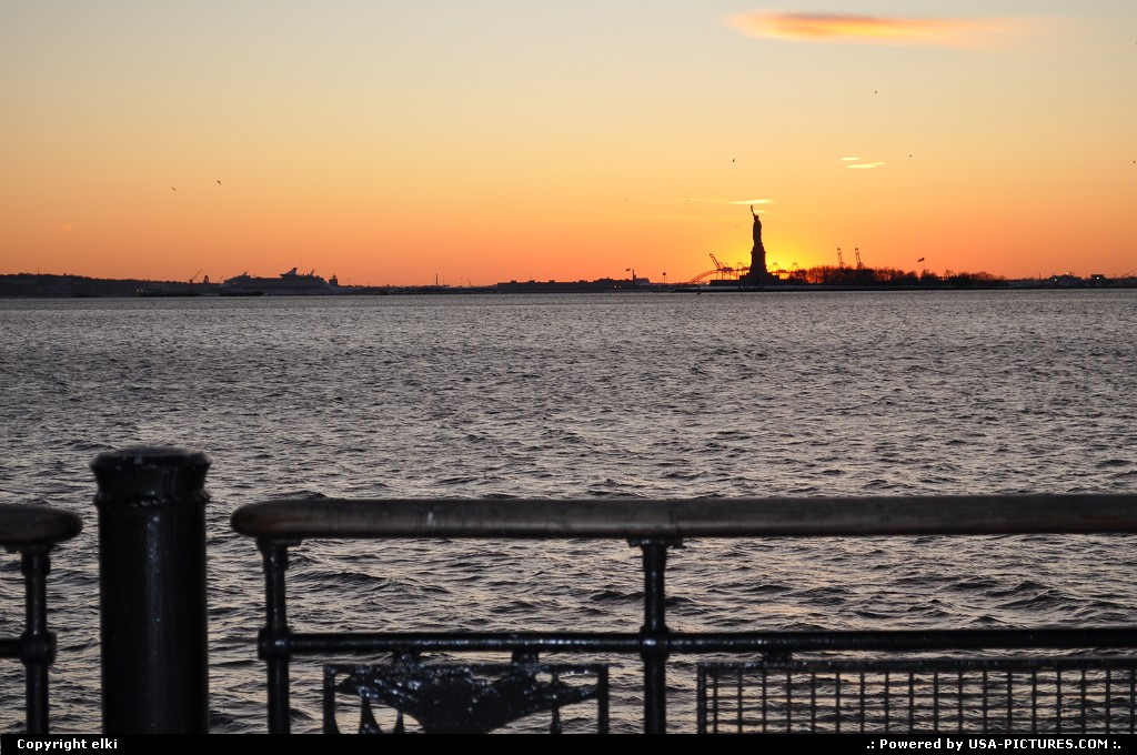 Picture by elki: New York New-york   statue of liberty ny