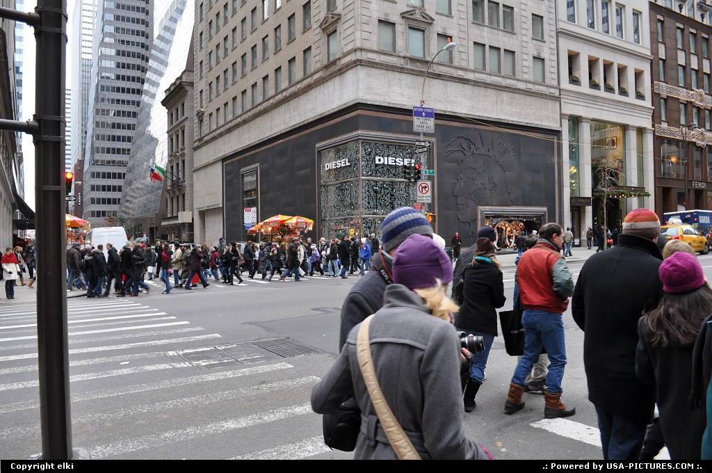 Picture by elki: New York New-york   5 th avenue