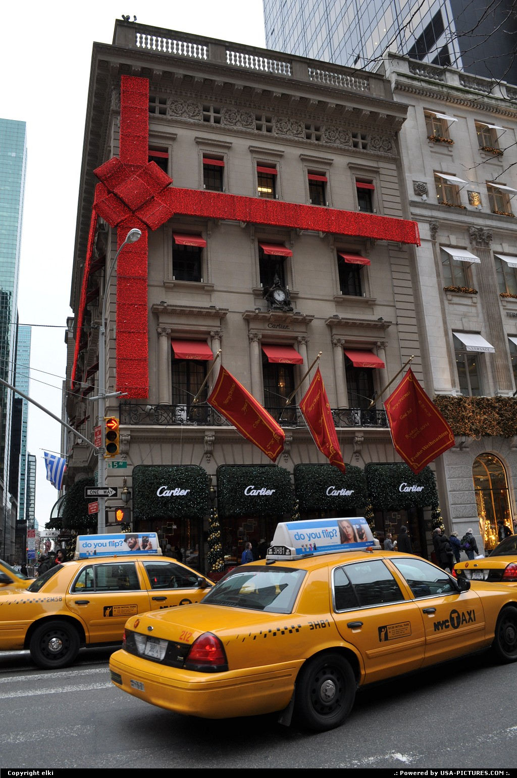 Picture by elki:New YorkNew-york5 th avenue