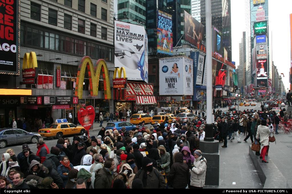 Picture by elki: New York New-york   times square new york hot dogs yellow cabs