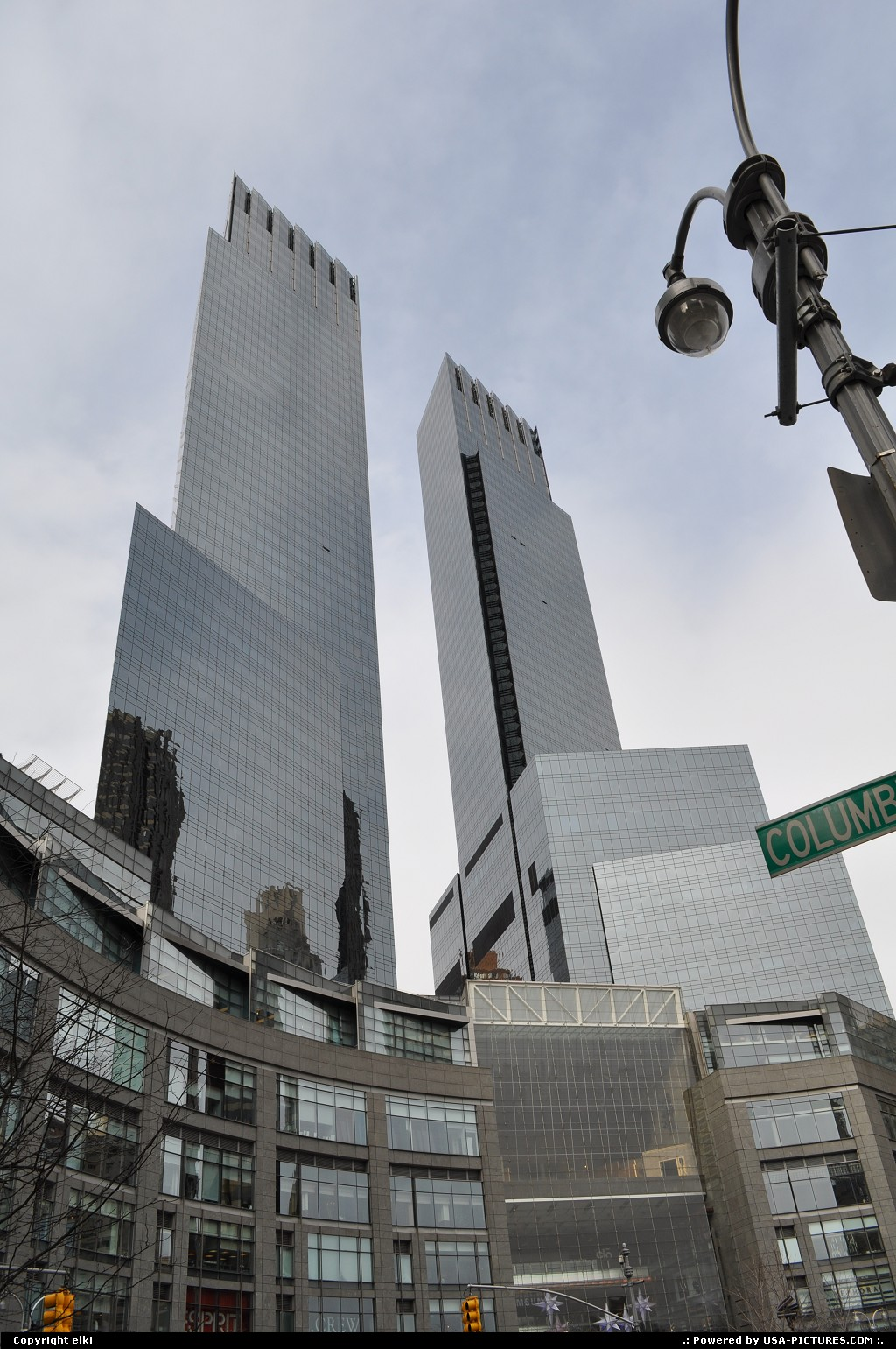 Picture by elki:New YorkNew-yorktime warner building colombus circle