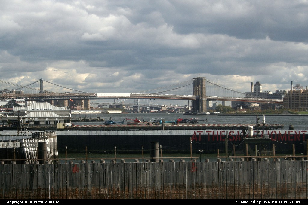 Picture by USA Picture Visitor:New YorkNew-yorkBrooklyn Bridge, brooklyn bridge and helicopter, helicopter,bridge, famous bridge, famous Brooklyn Bridge, New York City, NYNY, Manhatten, New York