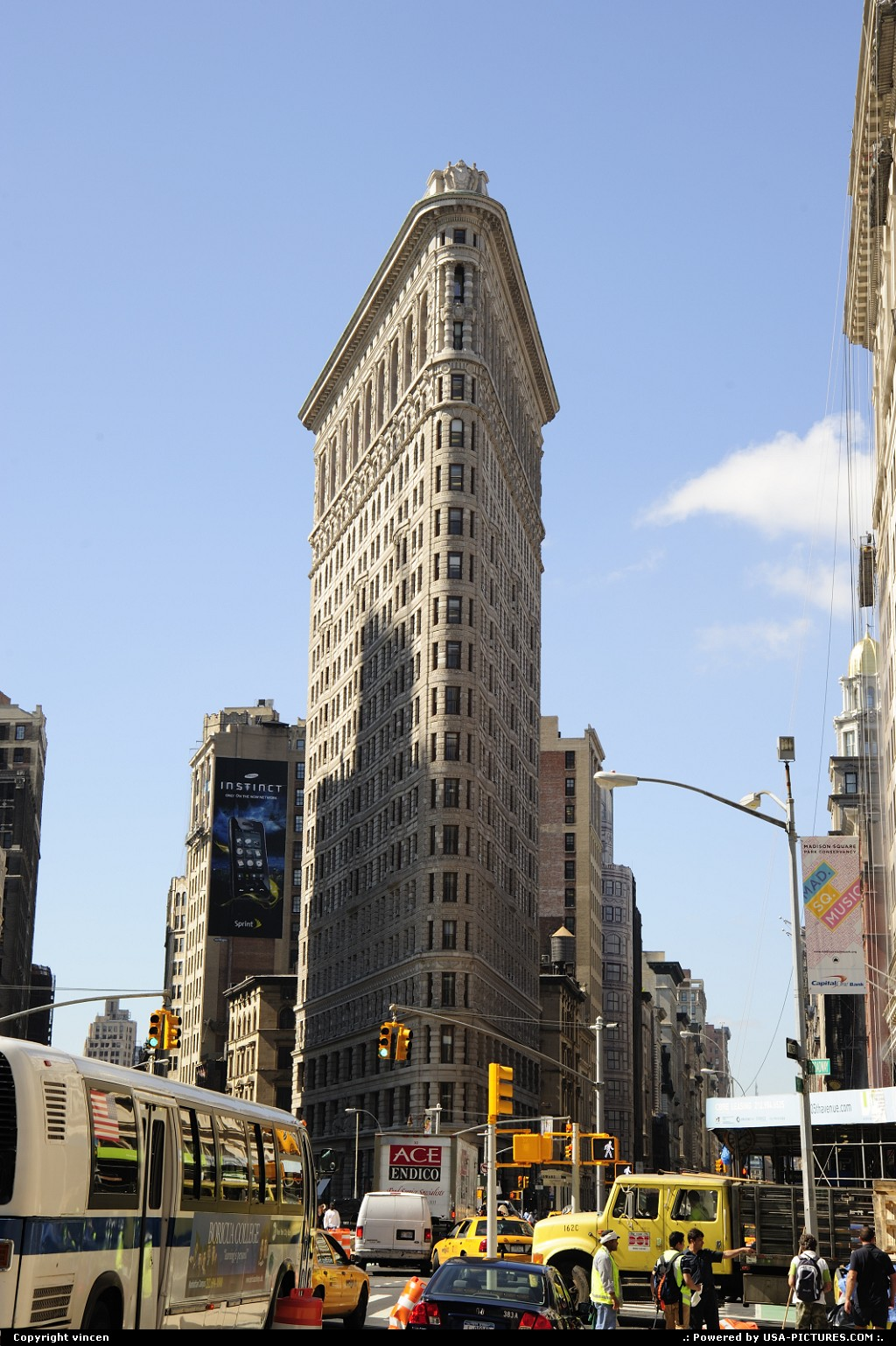 Picture by vincen:New YorkNew-yorkmanhattan downtown building street