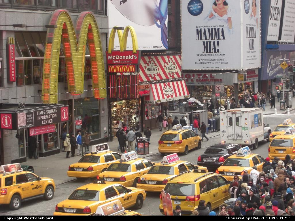 Picture by WestCoastSpirit:New YorkNew-yorkneon, sign, NYC, cab, taxi, yellow cabs
