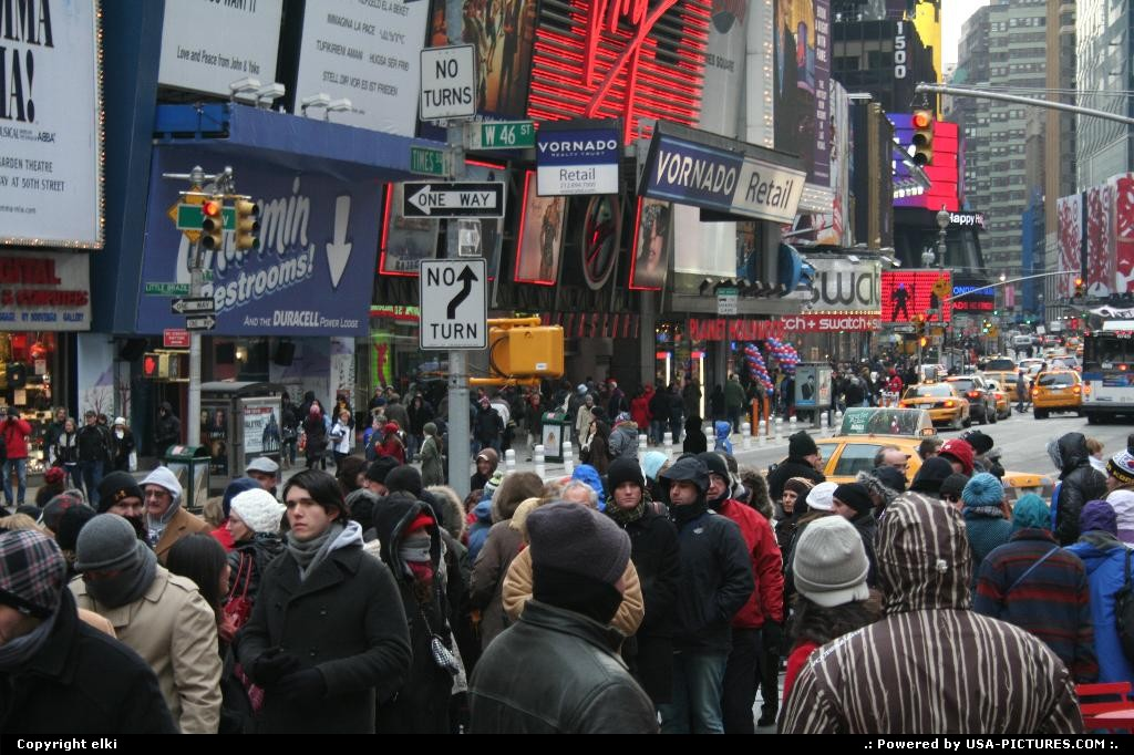Picture by elki:New YorkNew-yorktimes square new york broadway