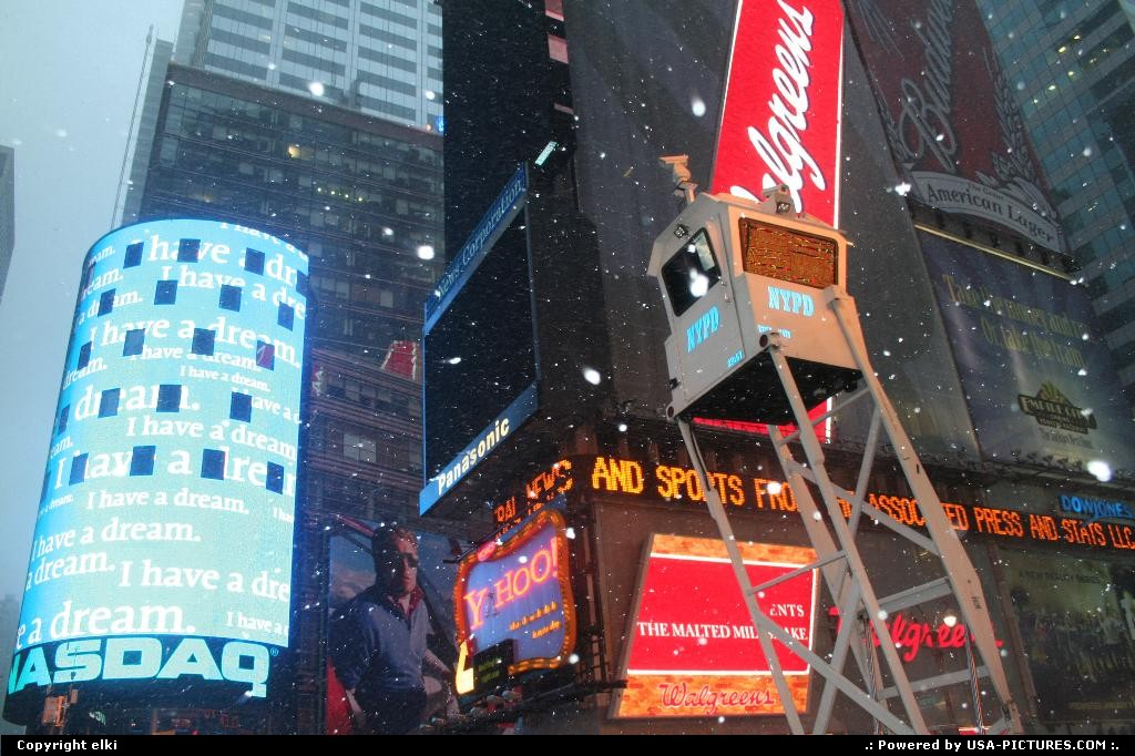 Picture by elki:NorfolkNew-yorktimes square NYPD