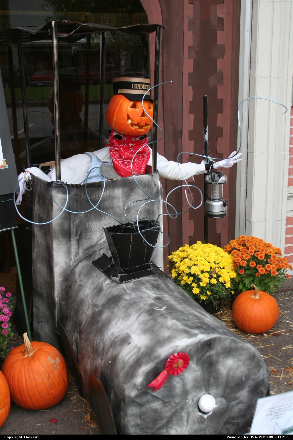 Picture by TheRev3:NelsonvilleOhioHalloween, pumkin, The Great Pumpkin, pumpkin man, pumpkin conductor, Nelsonville OH, Ohio,