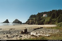 Yachats : The beach at the bottom of Heceta Lighthouse