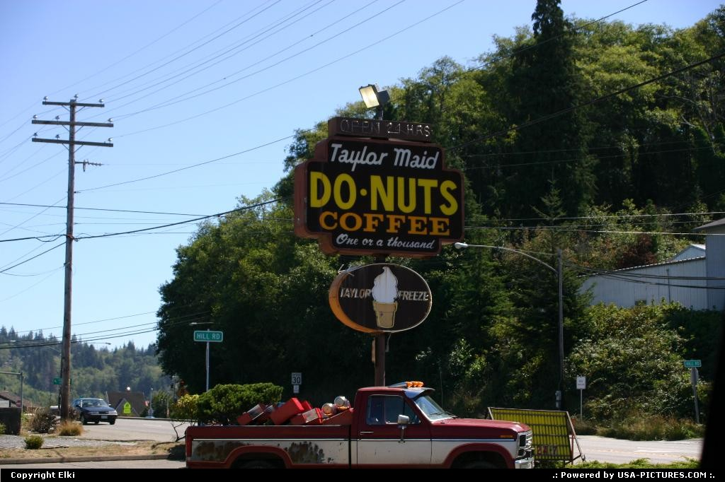 Picture by elki: Coos Bay Oregon   donut, sign, neon