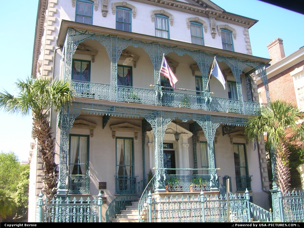 Picture by Bernie: Charleston South-carolina   house, colonial
