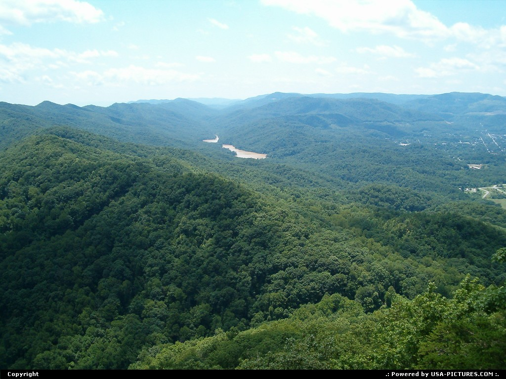 Picture by jimgwilson:Cumberland GapTennessee