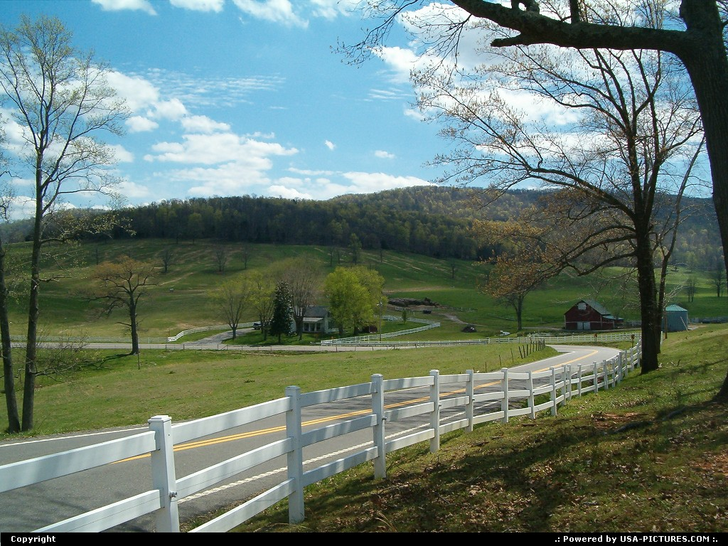Picture by jimgwilson:LivingstonTennessee