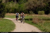 Austin : Bikers along the Barton Creek Greenbelt