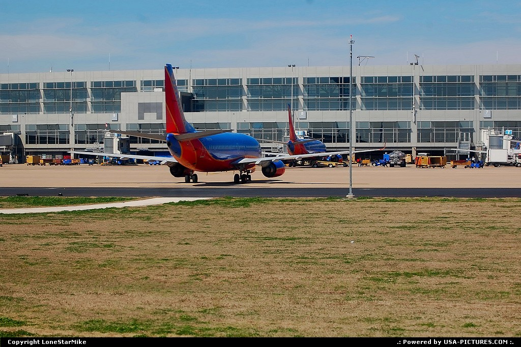 Picture by LoneStarMike: Austin Texas   airport, terminal, airplane