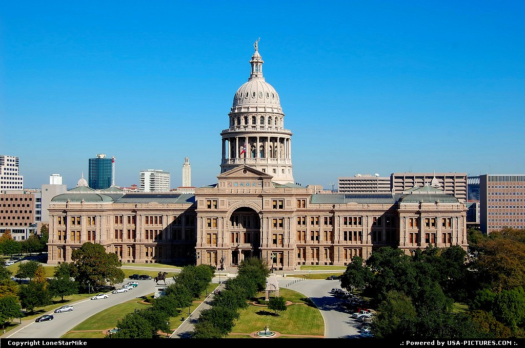 Picture by LoneStarMike:AustinTexascapitol