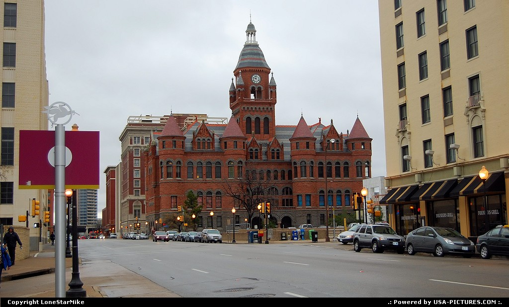Picture by LoneStarMike:DallasTexasdowntown, courthouse