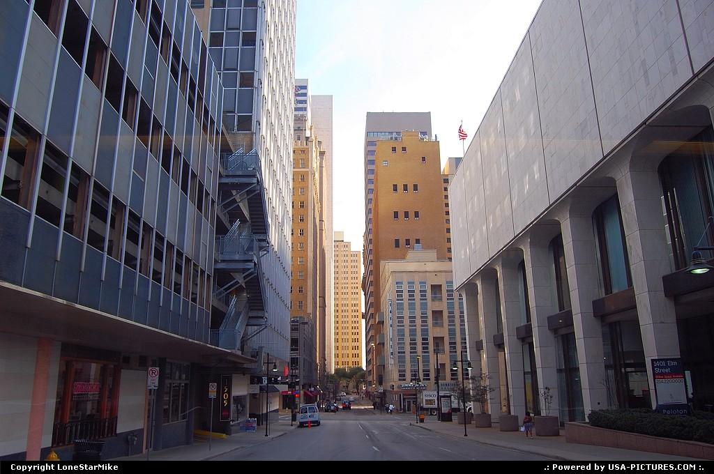 Picture by LoneStarMike:DallasTexasdowntown, skyscraper