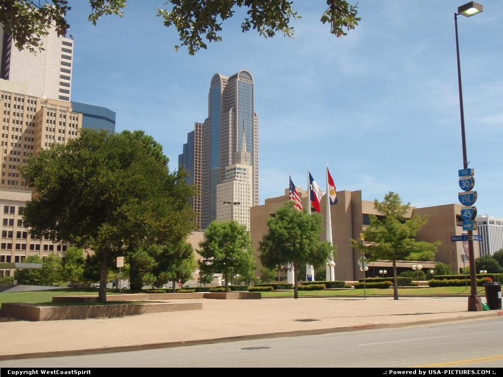 Picture by WestCoastSpirit: Dallas Texas   city hall, building, flags