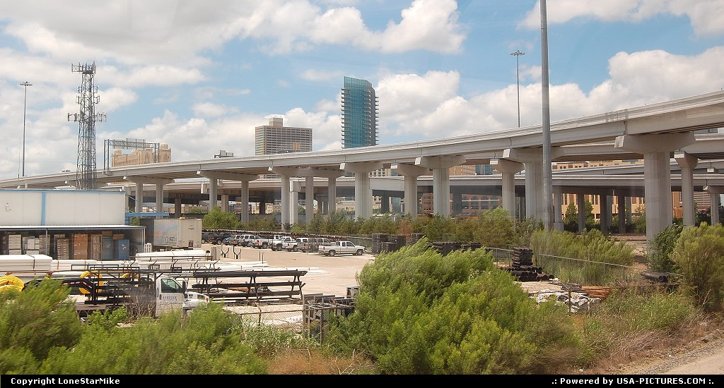 Picture by LoneStarMike:Fort WorthTexasskyline, skyscraper, highway