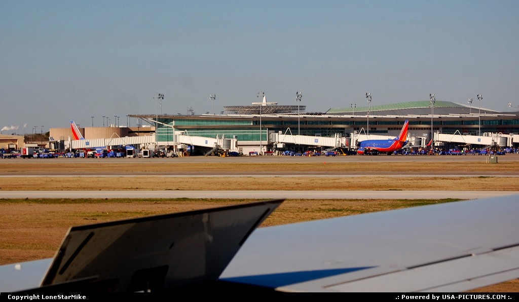 Picture by LoneStarMike: Houston Texas   airport, terminal