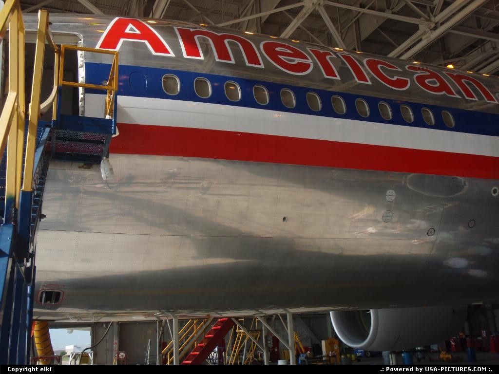Picture by elki:IrvingTexasamerican airlines airport fort worth