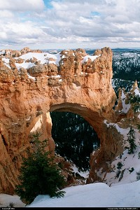 Photo by elki |  Bryce Canyon snow