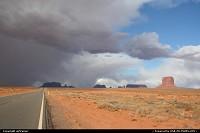 le mauvais temps arrive sur Monument Valley...