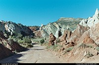 Cottonwood unpaved road, a link in the wilderness between Tropic (gateway to Bryce) and Page (hometown of Lake Powell)