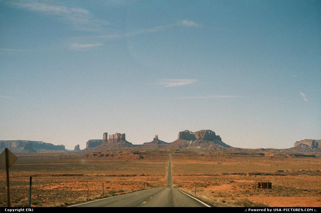 Picture by elki:Utahroad, rock