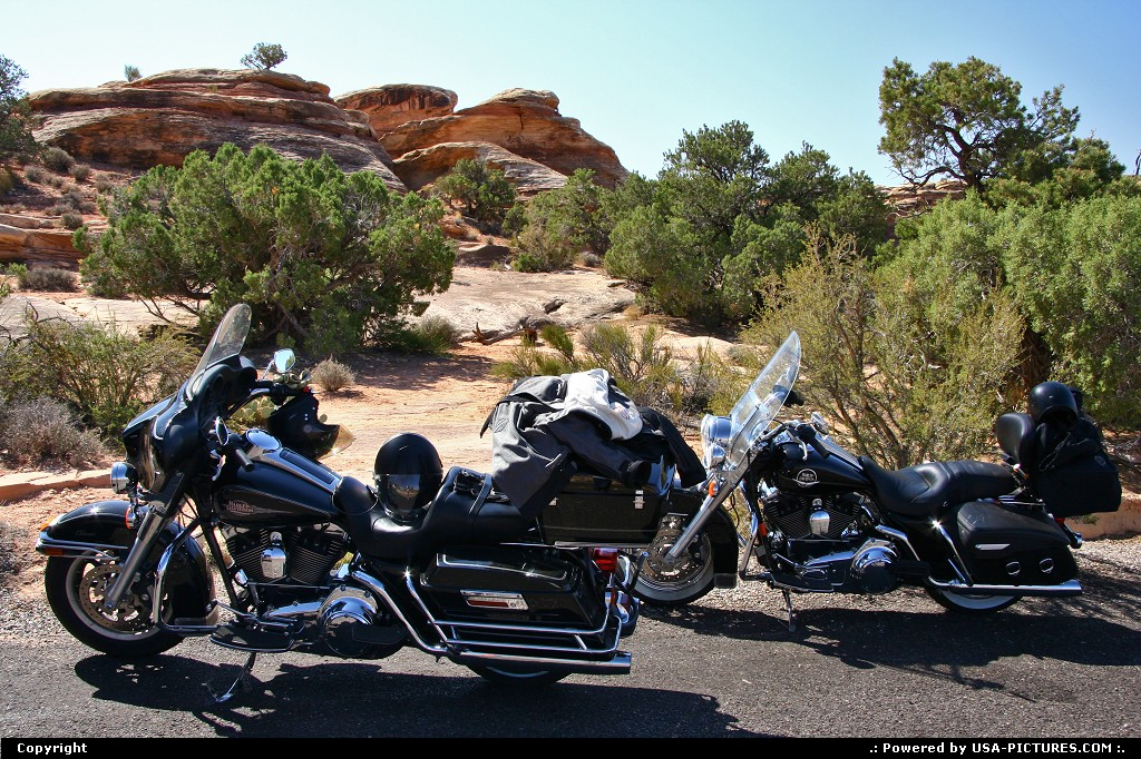 Picture by airtrainer:UtahCanyonlandsthe needles, canyonlands, harley davidson
