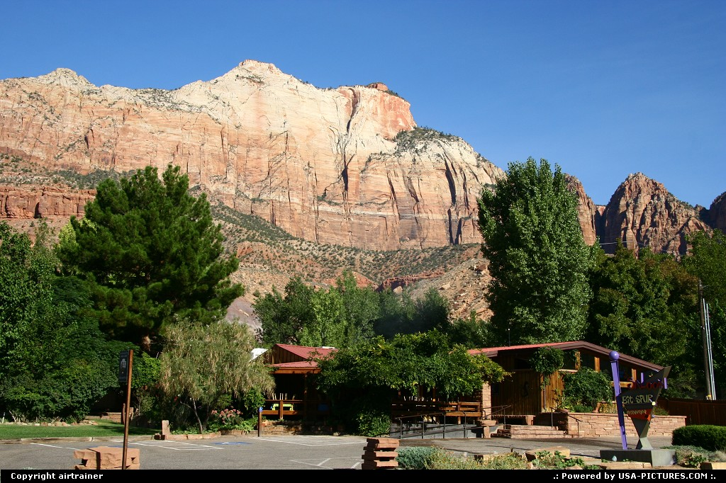 Picture by airtrainer:Not in a CityUtahzion