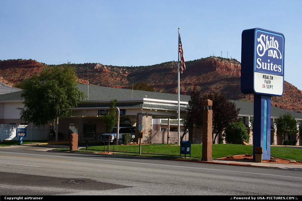 Picture by airtrainer:Not in a CityUtahKanab, motel