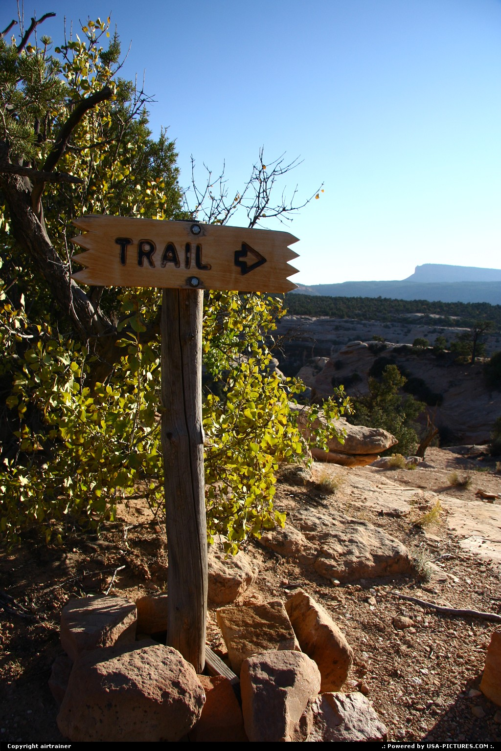Picture by airtrainer:Not in a CityUtahnatural bridges, trail