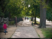 Williamsburg : Walkway at Duke of Gloucester and Nassau Streets, Colonial Williamsburg, Virginia.