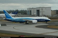 Photo by WestCoastSpirit | Everett  Boeing, PAE, 787, dreamliner, rot, brake, messier, bugati