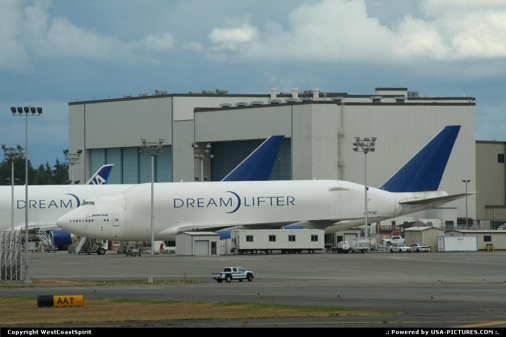 Picture by WestCoastSpirit:EverettWashingtonBoeing, 787, 747-800, PAE, seattle, futur of flight