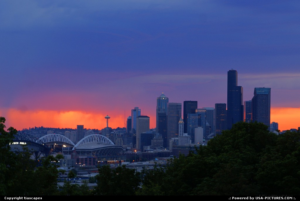 Picture by tiascapes: Seattle Washington   Seattle, sunset, skyline, downtown